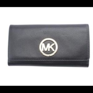 New Michael Kors Wallet - Black
